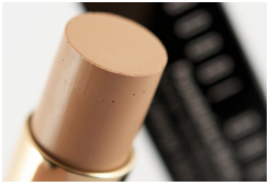 How To Choose The Right makeup Foundation and How to Apply it