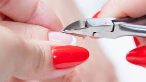 История маникюра ногтей кусачками и качества производителя и поставщика в Москве .